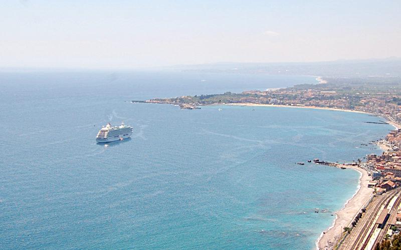 porto-naxos-taormina